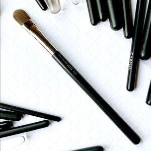 MAC Cosmetics_249 LARGE SHADER BRUSH